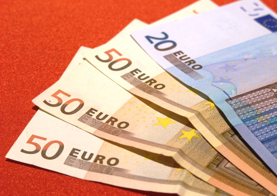 Geld briefjes euro 2017 FreeImages
